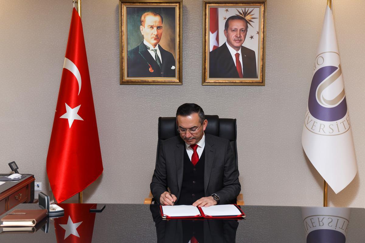 Rektör Prof. Dr. Ali Akdoğan'ın 10 Kasım Atatürk'ü Anma Günü Mesajı
