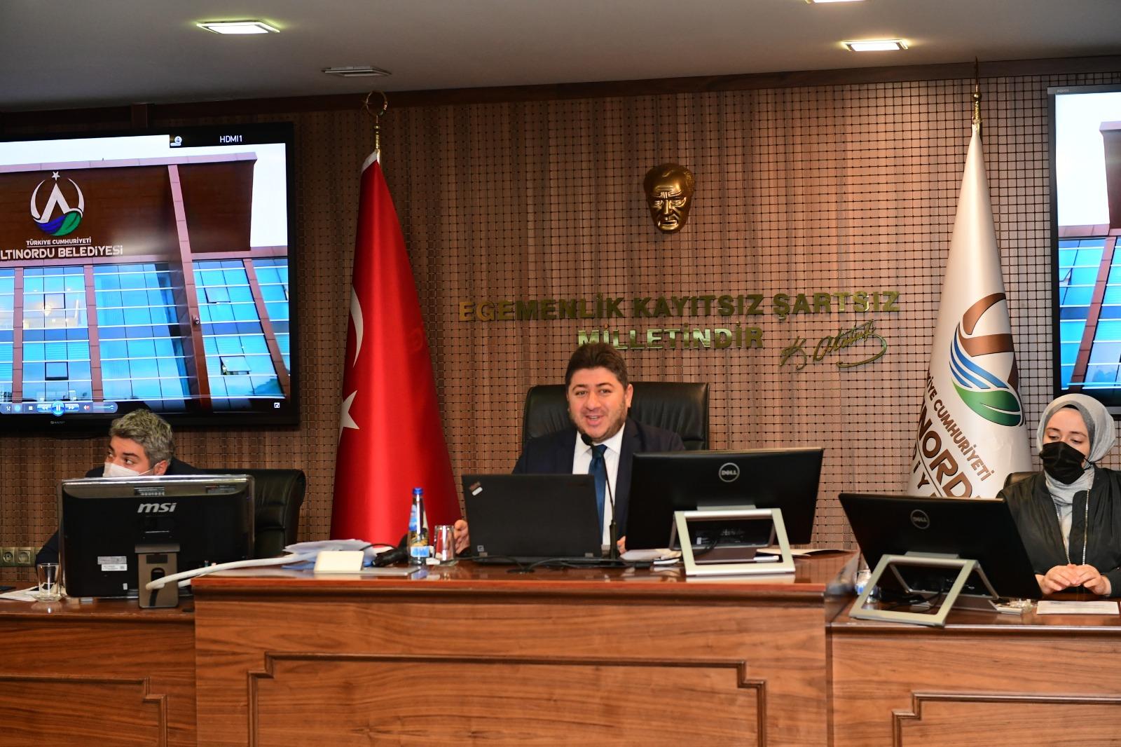 """BAŞKAN TÖREN, """"ZORLU PANDEMİ DÖNEMİNDEN GEÇİYORUZ"""